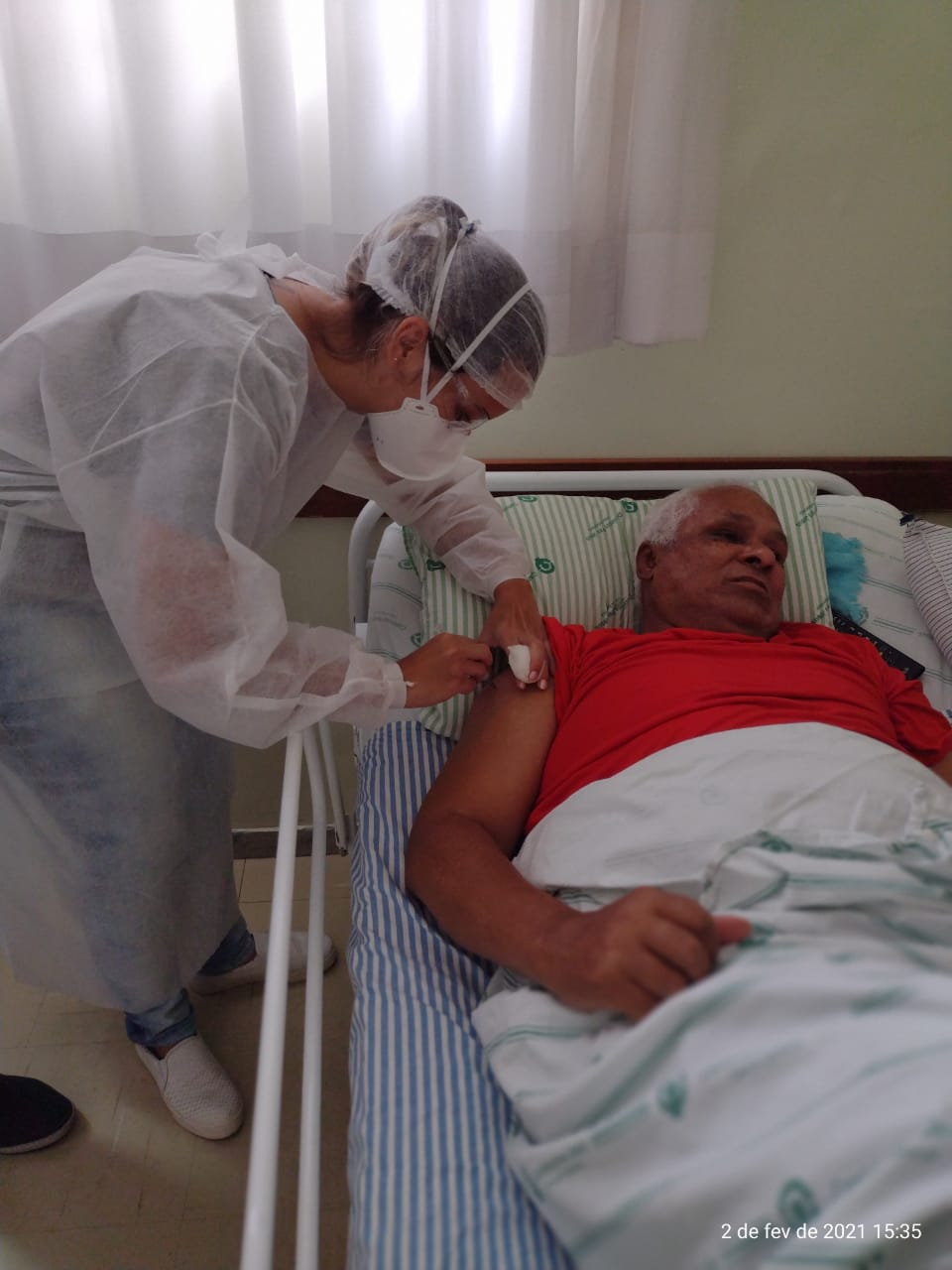 O Núcleo Assistencial Caminhos para Jesus recebe a 1ª dose da vacina contra Covid-19